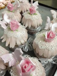 Segnaposto_Cupcake con rose rosa