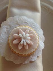 Segnaposto_biscotto_bianco con fiori2