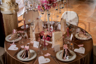 Tavolo marrone & rosa antico