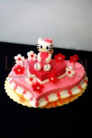 Torta_hellokitty_cuore